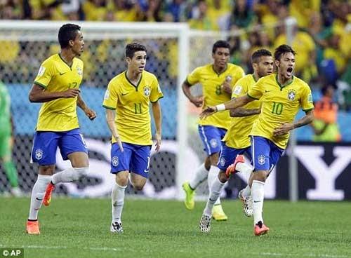 Neymar và các đồng đội có cuộc lội ngược dòng thành công